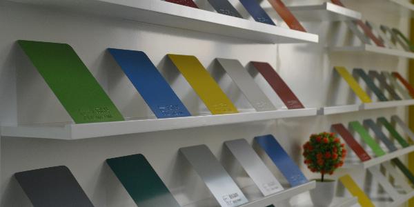 速乐涂料浅谈水性工业漆使用中变色的原因和预防