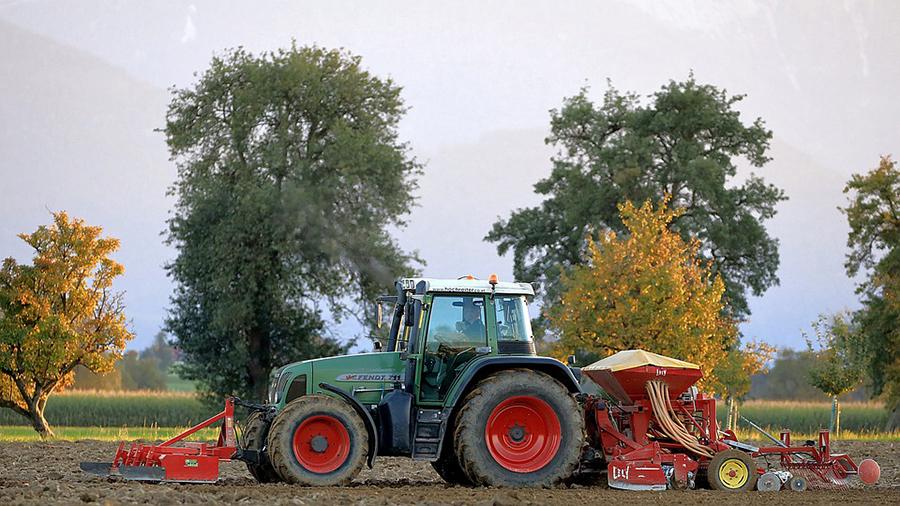 农业机械漆-河北欧格曼涂料公司是生产拖拉机|装卸机|收割机等农业设备原漆的厂家