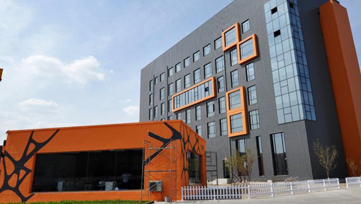 包头恒久钢构反复在欧格曼涂料购买高耐候聚酯面漆-HDP