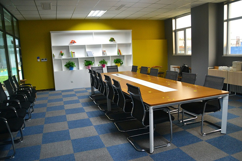 整洁有序的会议室2m